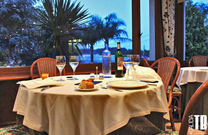 hotel-bosque-mar-ogrove-comedor