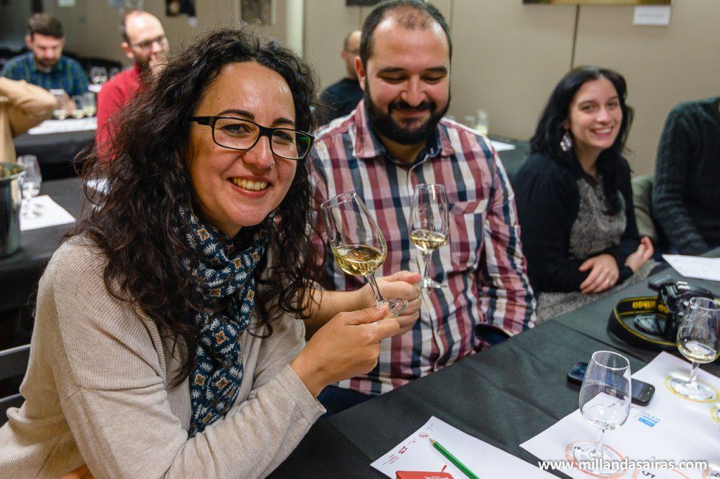 En plena cata de vinos en Servino